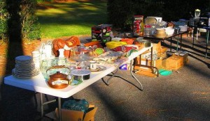 800px-yard_sale_october_2006